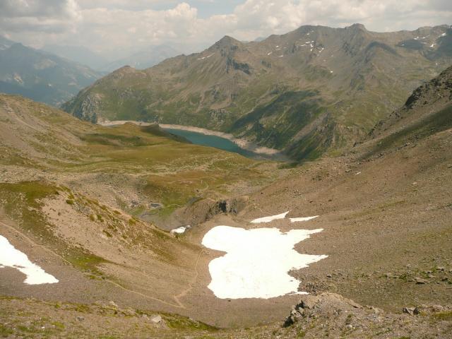 La descente vers le lac de Bissorte et le refuge des marches.