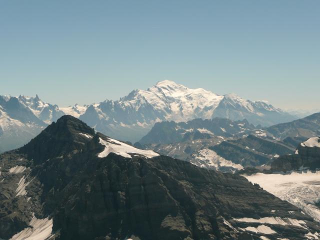 Et le Mont Blanc est loin au sud.