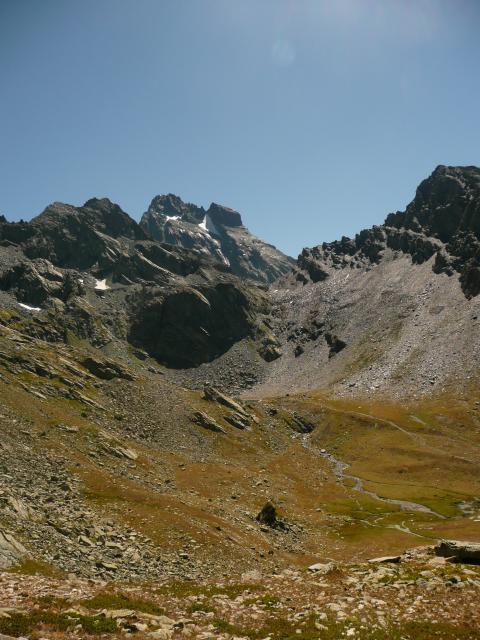 Le Viso, le col de Valante et le lac Lestio (caché par l'ancienne moraine).