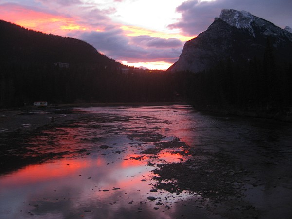 6868_morning_banff1.jpg