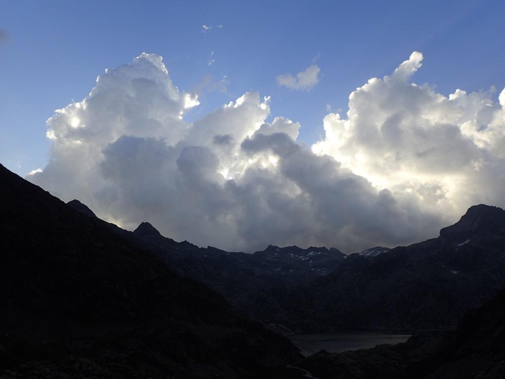 7FfS7NFeY.nuage.jpeg