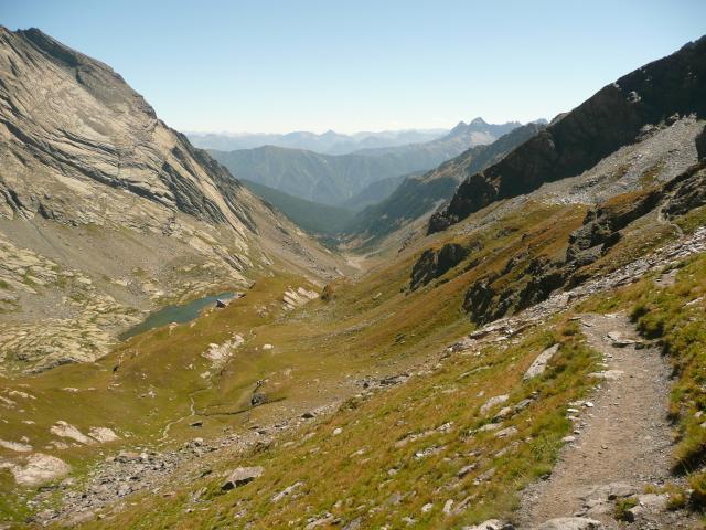 Vue sur la vallée du refuge de Valante.