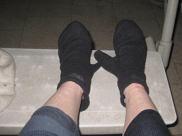 6868_r_frozen_feet.jpg