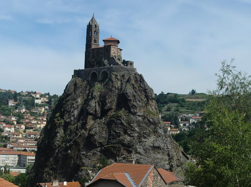7512_017-rocher_saint-michel_le_puy-en-velay_2.jpg